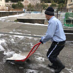 大雪に備えて^ ^