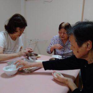 手作り餃子作りました(^^)